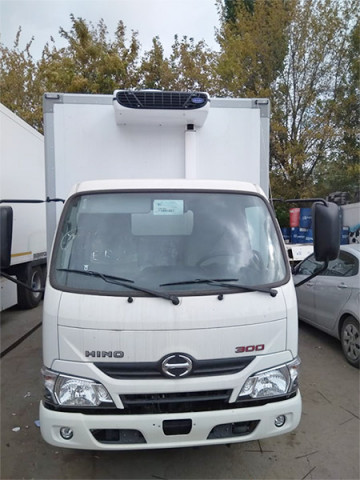 Монтаж ХОУ CARRIER Viento 350 на Hino-300